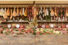 屠杀食物大模型在陈列在Decumano,商展2015 Mi的 免版税库存照片