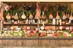 屠杀食物,商展2015年米兰大模型的陈列  库存照片