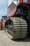履带牵引装置农业联合收割机 免版税库存图片