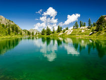 山、湖和云彩 图库摄影