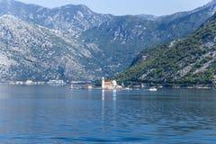 黑山。我们的岩石的夫人海岛  免版税库存图片