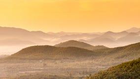 山。日出 免版税库存照片