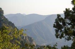 山上方山黄色山,中国的全球性Geopark 免版税库存照片