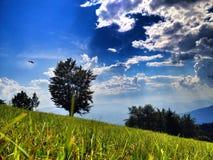 山与云彩的自然风景 库存照片