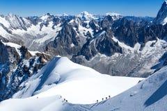 登山人在勃朗峰 图库摄影