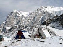 登山人阵营山的 图库摄影