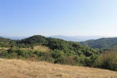 山从小山,从距离的看法的顶端环境美化 免版税图库摄影