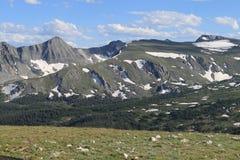 山从未排列夏天 免版税库存照片