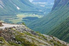山从Trollstigen观点,挪威看法  图库摄影