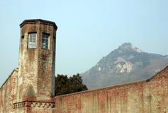 山俯视的塔手表 免版税库存图片