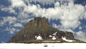 山全景在摇石通行证冰川国家公园的 免版税库存照片