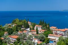 黑山典型的arcitecture镇 免版税库存照片