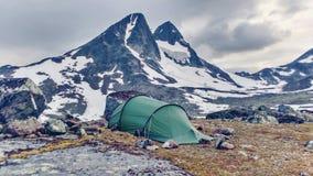 山冬天野营的挪威 免版税库存照片
