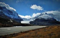 山冰川在加拿大 库存照片
