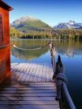 山反射在湖 免版税库存图片