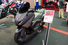 山叶在显示的摩托车 免版税库存照片