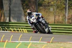 山叶YZF山叶世界超级摩托车队R1,驾驶由行动的马尔科・梅兰德里在伊莫拉电路的超级摩托车实践期间 库存照片