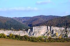 山和坑坑洼洼,喀尔巴阡山脉斯洛伐克 免版税库存照片