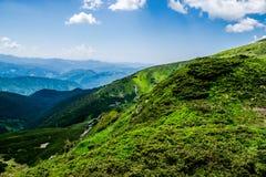 山和天空 乌克兰的风景 库存照片
