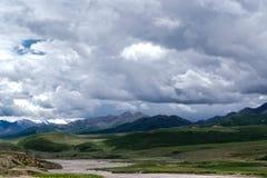 山和天空 图库摄影
