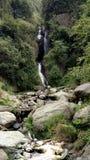 山和岩石美好的风景看法  免版税库存照片