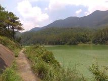 山和水 免版税库存图片