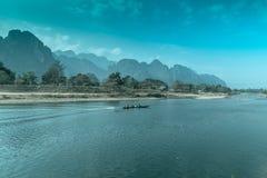 山和河 图库摄影