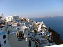 山和海视图在圣托里尼希腊 库存照片