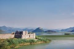 山和老城堡 免版税库存图片