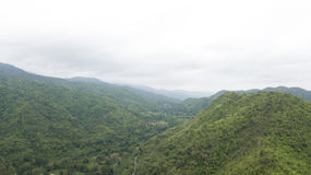 山和自然看法背景和墙纸的 库存照片