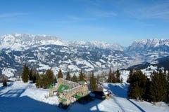 山和谷在冬天附近的Wagrain和Alpendorf 免版税库存照片