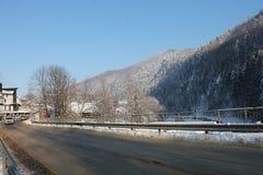 山在冬天 carpathians 库存图片