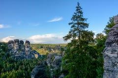 山在德国 撒克逊人的瑞士国家公园在萨克森 免版税库存照片