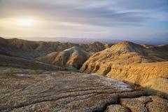 山在沙漠 库存照片