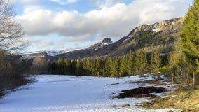 山在法国中央高原,法国 免版税图库摄影