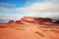 山在纪念碑谷那瓦伙族人部族公园 库存图片