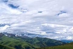 山在西康省,藏东 库存图片
