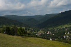 山在beskidy的波兰 免版税库存图片