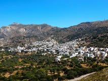 山坡村庄在希腊海岛 库存图片