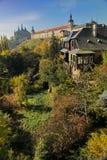 山坡葡萄园、st巴巴拉的大教堂和阴险的人学院-城市kutna hora,捷克共和国,东欧, EU的看法 免版税图库摄影