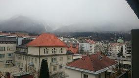 山城市在阿尔卑斯-因斯布鲁克 免版税库存照片