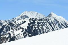 山多雪的比利牛斯 库存照片