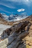山多雪的风景法国 免版税库存照片