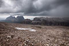 山多暴风雨的天气 免版税图库摄影