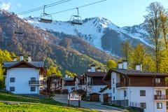 山奥运村,罗莎峰顶滑雪胜地,索契,俄罗斯 免版税库存图片
