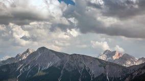 山定期流逝:夏天在意大利阿尔卑斯 股票视频