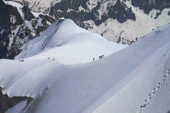 登山家在法国阿尔卑斯 库存照片