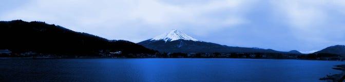 山富士日本全景视图  免版税库存图片