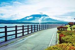 山富士和湖 免版税库存图片
