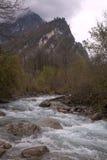 山小河在晚秋天 免版税库存图片